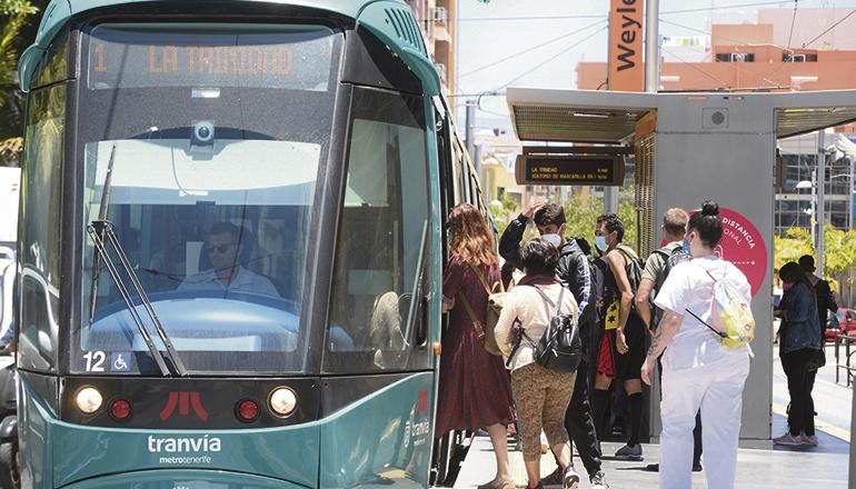 Die Straßenbahn verbindet Santa Cruz und La Laguna. Foto: cabildo de tenerife