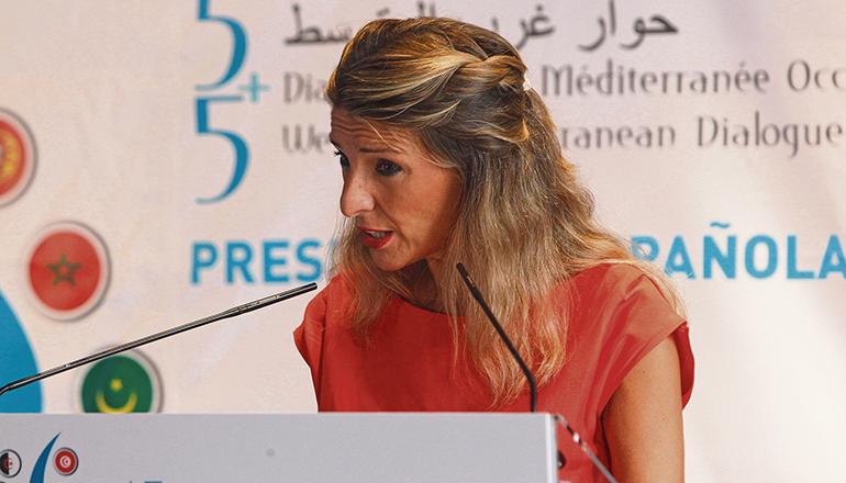 Arbeitsministerin Yolanda Díaz ist entschlossen, die Erhöhung auf 1.000 Euro durchzusetzen. Foto: efe