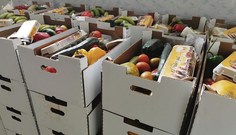 Lokale die als Ausgabestelle von Lebensmittelpaketen für hilfsbedürftige Familien dienen, werden von der Stadtverwaltung gekündigt. Foto: Cabgc