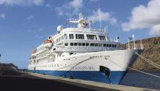 """Die """"Seaventure"""" war der erste Kreuzfahrtgast der Saison im Hafen von San Sebastián. Foto: Cabildo de la gomera"""